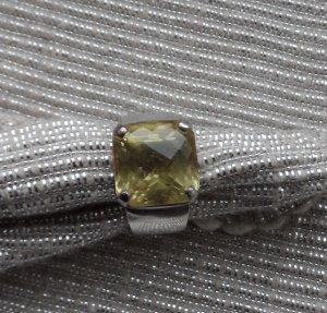 massiver Ring Gr. 55 aus 925 Silber mit einem facettiertem Lemon Topaz