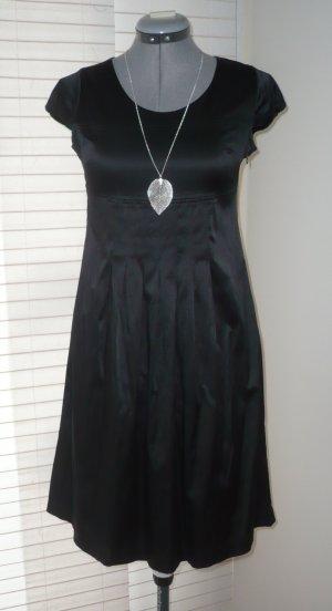 mattes Satinkleid, Kleid mit Falten, dehnbar, schwarz, Gr. 36/ S