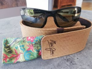 Maui Jim Angular Shaped Sunglasses black-green grey