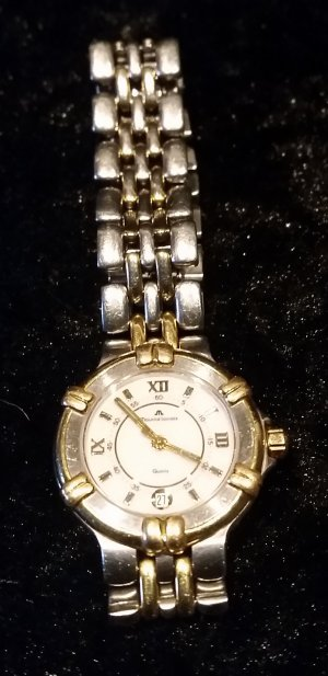 Watch With Metal Strap light grey-gold-colored stainless steel
