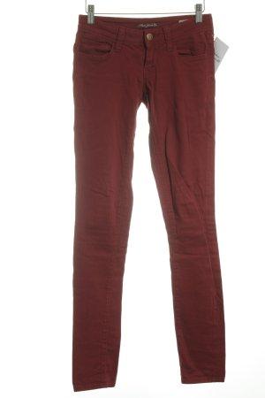 Mavi Jeans Co. Vaquero slim rojo oscuro look casual