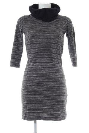 Zero Vestido de lana negro-gris claro look casual