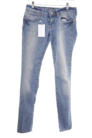 Mavi Slim Jeans himmelblau-kornblumenblau Street-Fashion-Look