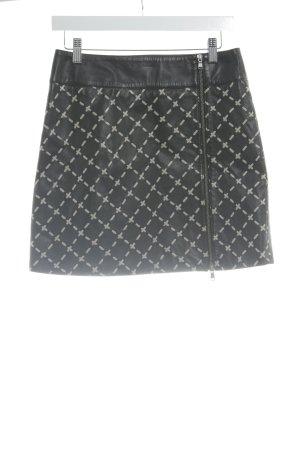 Max & Co. Lederrock schwarz-creme Street-Fashion-Look