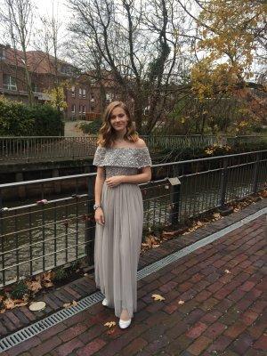 Vestido de baile gris claro-color plata