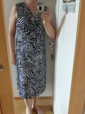 Maxi-Sommerkleid in Schwarz-weiß-Muster