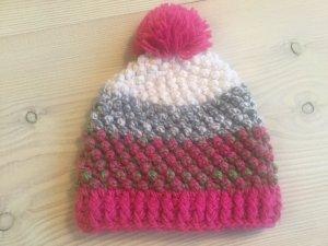 Gorra rosa-color plata