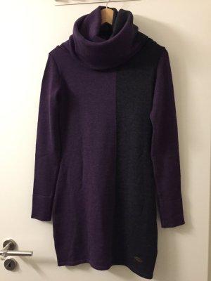 Maxipullover/strickkleid mit großem Kragen