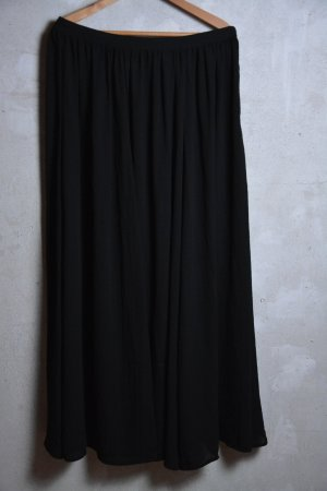 Maxirock schwarz aus seidigem leichtem Stoff