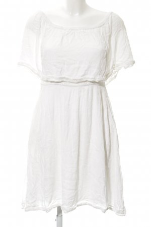 mbyM Off the shoulder jurk wit casual uitstraling