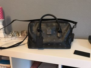 MCM Boston Bag in Schwarz :)