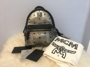 MCM Mochila de montaña gris claro-color plata