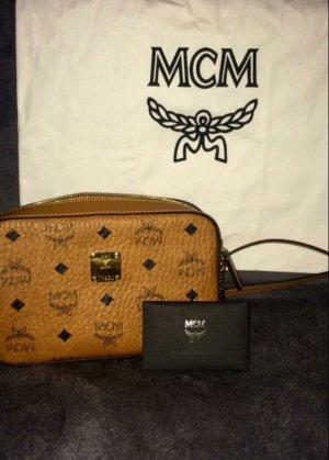 MCM Bolso color bronce Imitación de cuero