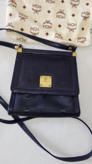 mcm handtasche gebraucht kaufen nur 2 st bis 60 g nstiger. Black Bedroom Furniture Sets. Home Design Ideas