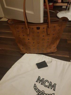Mcm Shopper XL mit Nieten wie neu