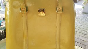 MCM Bolso barrel amarillo claro