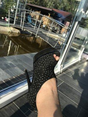 Mega High-Heels