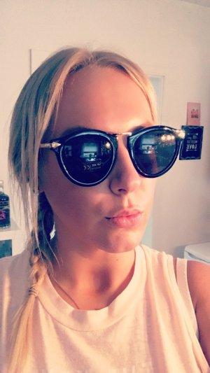 Mega moderne und neue Sonnenbrille *NEU*