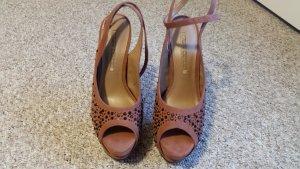 Buffalo Platform High-Heeled Sandal brown suede