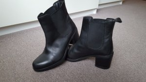 Mégis black ankle boots, in black, size 37.
