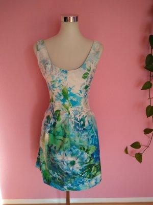 Mehrfarbiges Sommerkleid (K1)