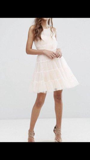 Mehrlagiges Minikleid aus Tüll