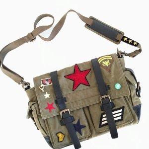 Messenger-Bag im trendigen Militarylook!