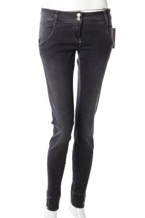 Met Skinny Jeans anthrazit mit Nieten
