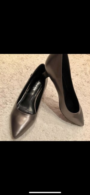 Metallic dark grey Stiefel