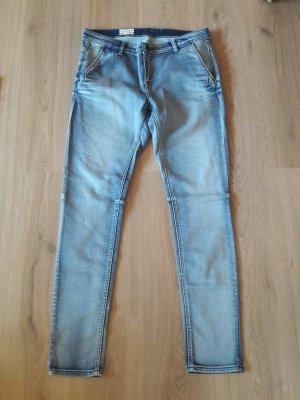 mexx damen jeans gr. 31 = 42