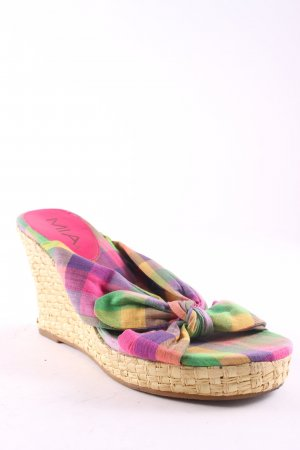 Mia Wedge Sandals check pattern beach look