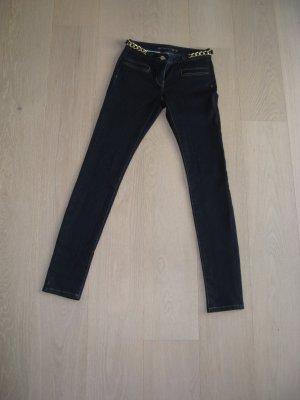 Michael Kors Jeans mit dem gewissen etwas (Goldaccessoires)