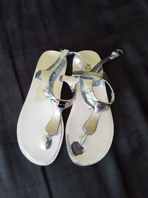 Michael Kors Sandalias de playa color plata