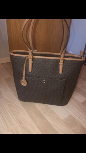 Michael Kors jet set item 100%orginal