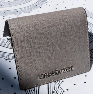 Michael Kors Jet Set Travel Flap Card Holder Leather grau/Silber