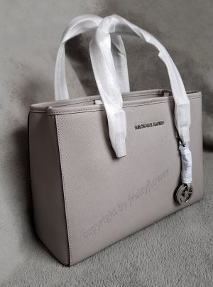 Michael Kors Jet Set Travel MD EW Pearl Grey