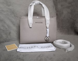 Michael Kors Jet Set Travel MD EW Pearl Grey Grau