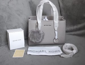 Michael Kors Jet Set Travel MD EW Pearl Grey + Pom ♥