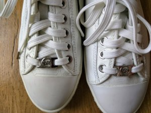Michael Kors Lace-Up Sneaker white leather