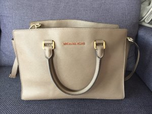 Michael Kors Ledertasche in taupe