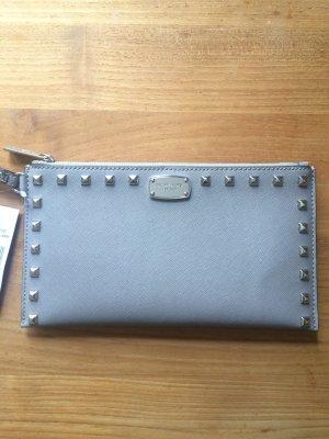 Michael Kors Sandrine Stud LG Zip Clutch Pearl Grey // Grau