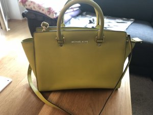 Michael Kors Selma Apple