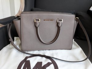 Michael Kors Selma large in Taupe
