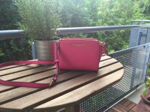 Michael Kors Selma Mini Messenger Bag in Pink