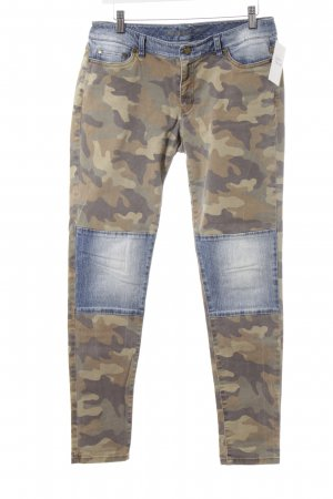 Michael Kors Skinny Jeans Camouflagemuster Street-Fashion-Look