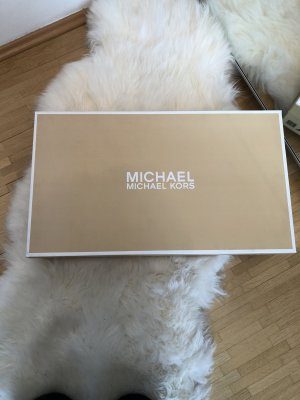 Michael Kors Botas estilo militar negro-color oro