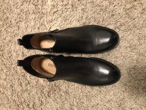 Michael Kors Booties black