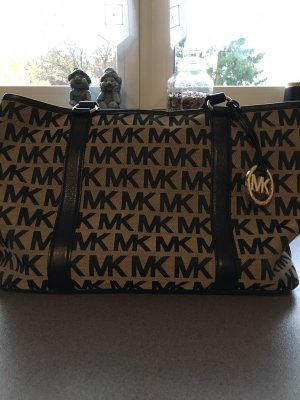 Michael Kors Tasche mit passender Geldbörse