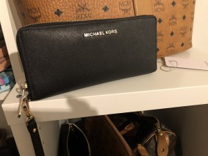Michael Kors Travel Continentl