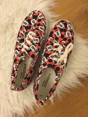 Micky Maus Schuhe Bloggerstil